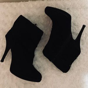Jennifer Lopez Heeled Ankle Boots. Sz 6 Med